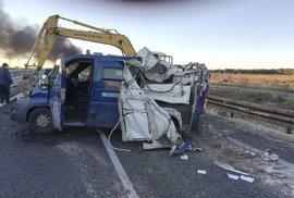 Kuriózní loupež na jihu Itálie. Lupiči rozervali obrněný vůz s penězi dvěma bagry