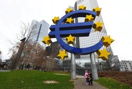 Ekonom Pikora: Kdo nemá rád euro, má rád Putina? Diskuse o euru je hloupá, sorry jako!