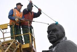 Naše vlast aneb Kdo netouží po svobodě a omlouvá své otroctví, zasluhuje pohrdání, říkával už Lenin
