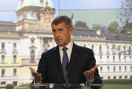 Vladimír Pikora: Čert a vláda nikdy nespí aneb Jak dál rozdávat koblihy a zacpat…