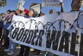 Polovina Američanů chce Trumpovu zeď na hranici s Mexikem, 75 procent žádá změnu migračních zákonů