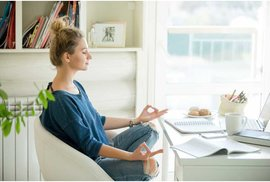 Office jóga: Ulevte tělu i mysli v pohodlí své kanceláře