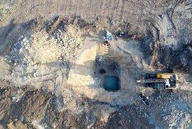 Kde leží nejstarší studna v Evropě? Našli ji ve východních Čechách pod dálnicí