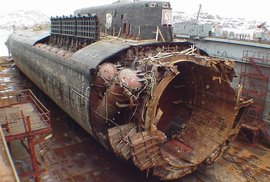 Tragédie jaderné ponorky Kursk. Potopení ruské chlouby provázely konspirační teorie