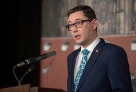 Aschenbrenner: Zemanův mluvčí Ovčáček zpochybnil legitimitu Senátu, přitom sám sebe…