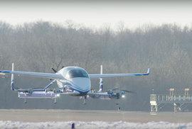 Létající taxík od Boeingu má za sebou úspěšný zkušební let