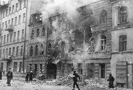 Deset stalinských úderů: Před 75 lety Sověti vyhnali nacistické okupanty z většiny…