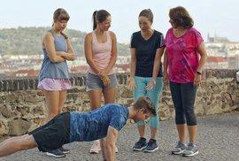 Ženy v běhu jsou relaxační výklus pro nenáročné diváky