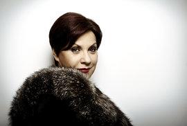 Dagmar Pecková obdržela v roce 1999 za roli v Bizetově Carmen, inscenované na scéně Národního divadla, Cenu Thálie v oboru opera