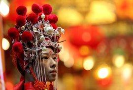 Jak vypadají oslavy čínského lunárního nového roku? Je to pastva pro oči, pokochejte se