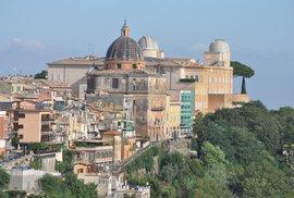 Papežovo letní sídlo v italském městě Castel Gandolfo skrývá i vesmírnou observatoř
