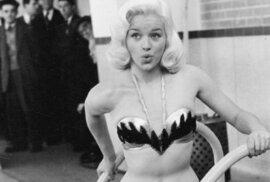 Diana Dors: Blonďatá sexbomba, která se měla stát britskou Marilyn Monroeovou
