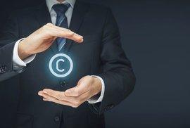 Směrnice o autorském právu může mít nečekané dopady a podpořit weby plné fake news