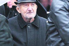 Leden 2019 Zdeněk na pohřbu kamaráda Karla Engela.