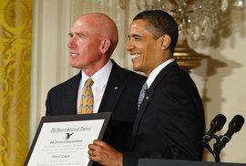 Peter Lemon společně s prezidentem Obamou.