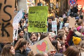 Studenti se kvůli klimatu chystají za školu. Mohou si ale nakálet do vlastního hnízda