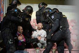 Chuligáni na fotbalových stadionech: Chraňme daňové poplatníky. Žádné dotace klubům,…