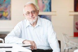 Nejcitovanější český vědec, eso z laboratoře i generál armády chemiků. Josef Michl…