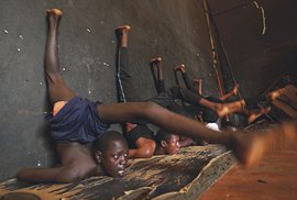 Akrobatická škola v guinejské metropoli Konakry