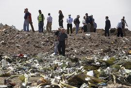 Snímky letecké havárie v Etiopii.