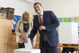 Nepravděpodobné, ale stále možné. Co pro vítězství musí udělat Maroš Šefčovič, finalista slovenských voleb?