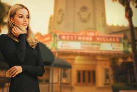 Robbie Margot na plakátu k filmu Tenkrát v Hollywoodu.