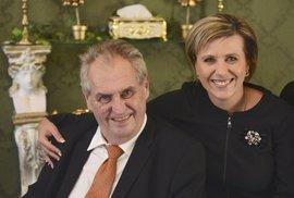 Politický bizár: Hejtmanka Vildumetzová zamilovaná do Zemana, Jacques se koupe nahá…