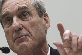 Muellerův tým dva roky zkoumal propojení Trumpova týmu s Rusy.