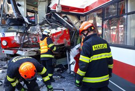 Nehoda tramvaje a trolejbusu Brně