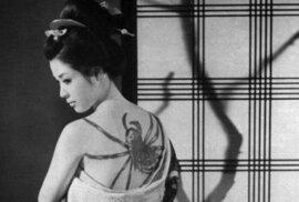 Historie japonského tetování: Umění irezumi zdobilo ramena námořníků, ale i členů zločinné Jakuzy
