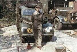 Tehdy ještě princezna Alžběta II.ve vojenské službě během druhé světové války.