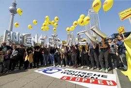 V Berlíně i dalších městech Německa vyrazili lidé protestovat proti růstu nájmů
