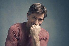 Nikolaj Coster-Waldau: Role Jaimeho mě naučila nevyhazovat děti z oken a zamykat…