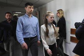 Polský soud se zastal ruského otce, jeho děti zpět do švédské muslimské adopce nevydá
