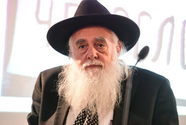Před 50 lety se zapálil na protest proti okupaci Československa. Izraelský matematik Rips teď navštívil Prahu