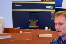 Martin Mertl natočil pro Stream.cz kajícné video. U soudu slouží jako jeden z důkazů, že se údajně polepšil. Sám Mertl absolvoval celé soudní přehrávání videa se sklopenou hlavou.