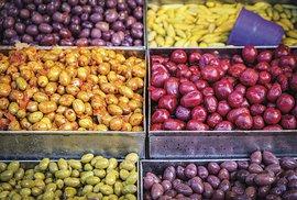 Olivy tu mají všech barev ichutí