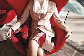Lucie Nováková v uniformě letušky aerolinek Emirates