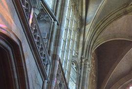 Také chrámu sv. Víta hrozila v roce 1541 zkáza ohněm. Největší požár Prahy však přežil relativně nepoškozen.