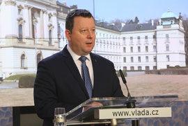 Ministr kultury Staněk ve vládě skončí. Smetla ho kritika za odvolání ředitele Národní galerie