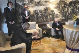 Zeman se v Pekingu sešel s Putinem na konferenci o čínské Hedvábné stezce