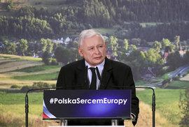 5 důvodů, proč polští Kaczyńského konzervativci míří k dalšímu volebnímu vítězství