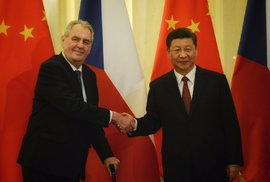 Zeman na návštěvě Číny řekl novinářům, že jeho čínský poradce Jie Ťien-ming není ve …