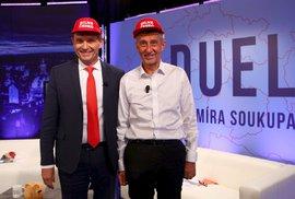 Andrej Babiš byl zatčen módní policií. S červenou čepicí na hlavě byl přistižen…