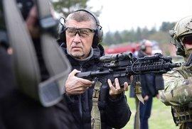 Vláda uplácí komunisty: Osekání armádního rozpočtu před summitem NATO budí u spojenců nedůvěru
