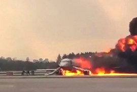 Z havarovaného ruského letadla vyprostili záchranáři těla všech 41 obětí