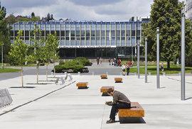 České univerzity revoluce nečeká