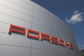 Porsche dostalo kvůli dieselům pokutu přes půl miliardy eur, do skandálu s emisemi byla namočena i česká Škoda