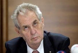 Senát schválil návrh ústavní žaloby na prezidenta Zemana