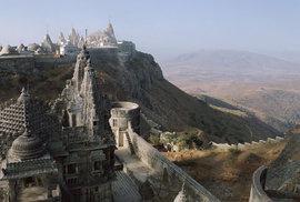 Vyčerpávající pouť na vrchol posvátné hory Girnár aneb 9999 schodů ke spáse